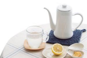 飲みにくい時のレモン白湯